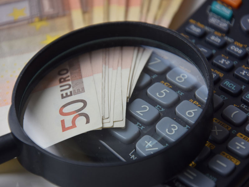 mit seinem Geld rechnen